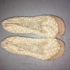 Mudd Tan Flats with White Stars | Size 7
